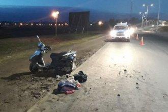 Motociclista sufrió graves heridas tras chocar con un auto