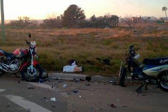 Tras un choque frontal de motos, un hombre perdió la vida