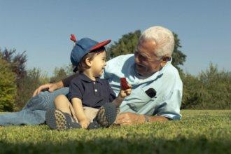 Más viejos que jóvenes: una preocupación del vecino país