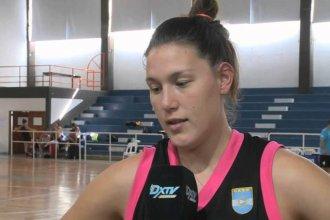 Una pivot elisense se entrena para jugar en la Liga Femenina de España