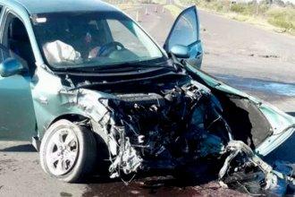 Alcoholizada, siguió de largo un control y colisionó contra un camión
