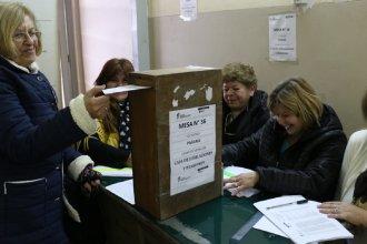 Los jubilados eligieron este viernes a sus representantes en la Caja