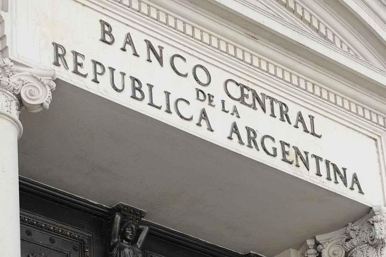 Banco Central subió tasa de interés por primera vez en tres años