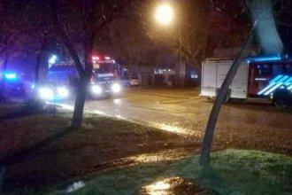 Quemaron el garaje con el auto adentro en plena madrugada: Una mujer, la principal sospechosa