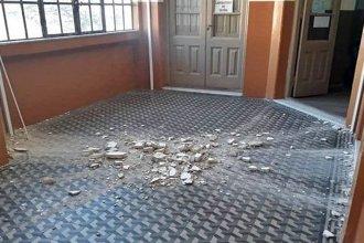 Cayó parte de la mampostería de un edificio escolar