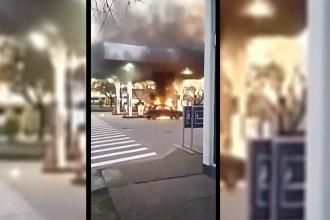 Impactantes imágenes: Incendio en una estación de servicio causó máxima tensión en Villa Elisa