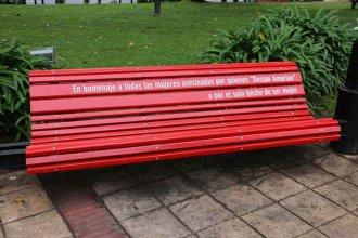 Ciudad entrerriana tendrá un banco pintado de rojo: ¿Cuál será su propósito?