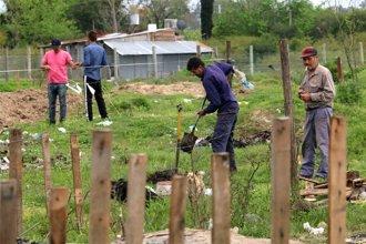 A la espera de respuestas, usurparon terrenos del IAPV para construirse casillas