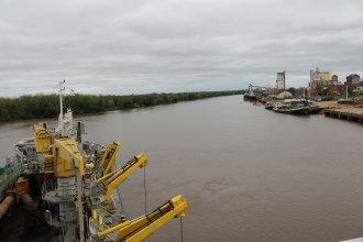 Comenzó el dragado en el canal de acceso al Puerto de Concepción del Uruguay