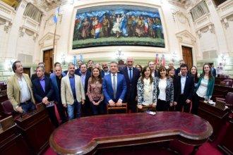 Urribarri y Bonfatti se mostraron juntos y elaboraron un documento con reclamos a Macri
