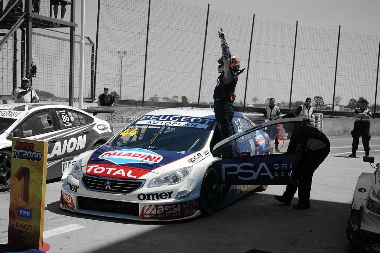 Alegría total para Werner, al llegar al podio.