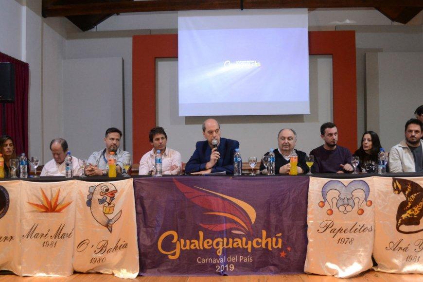 La presentación, anoche en Gualeguaychú.
