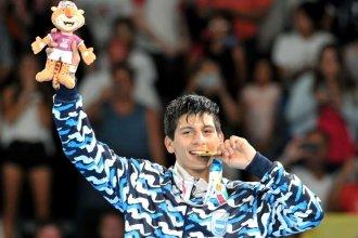 Brian Arregui volvió a su ciudad y le ofreció la medalla a su pueblo