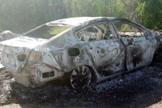 Auto incendiado: Lemos hizo la denuncia e investigan qué pasó con la copia de la llave