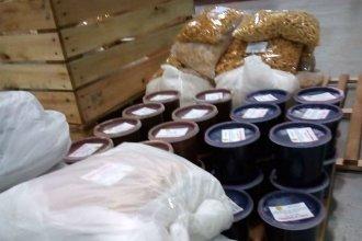 Estudiantes universitarios elaboraron una tonelada de alimentos para donar a comedores