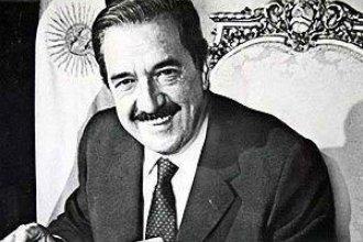 El recuerdo de Raúl Alfonsín: A treinta y cinco años de las elecciones que lo llevaron a la presidencia de la nación