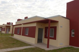 Tras la firma de las escrituras, más familias entrerrianas son dueñas de viviendas propias