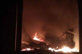 Encerró a una menor con su beba y quemó la casa: vecinos evitaron que mueran calcinadas