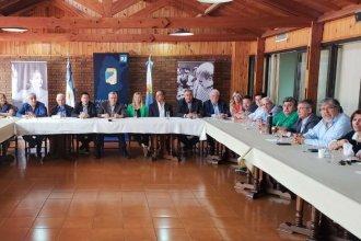 """""""Para combatir al gobierno neoliberal"""", Urribarri participó de una reunión del PJ nacional"""