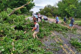 Por el fuerte temporal estuvo bloqueada la Ruta 12 y el agua anegó calles y viviendas en varias localidades