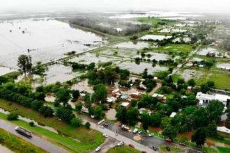 Vista aérea de una ciudad entrerriana sitiada por el agua
