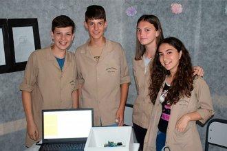 Desde una escuela entrerriana, crearon un despertador para personas sordas