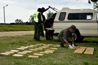 Con la ayuda de Rafael, descubrieron 150 kilos de droga en el doble fondo de una pick up