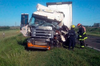 Choque múltiple de camiones: hay dos choferes internados