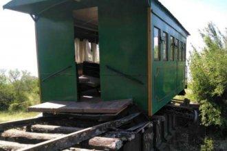 Descarriló un tren que llevaba alumnos de Villa Elisa: hubo pánico pero sin heridos