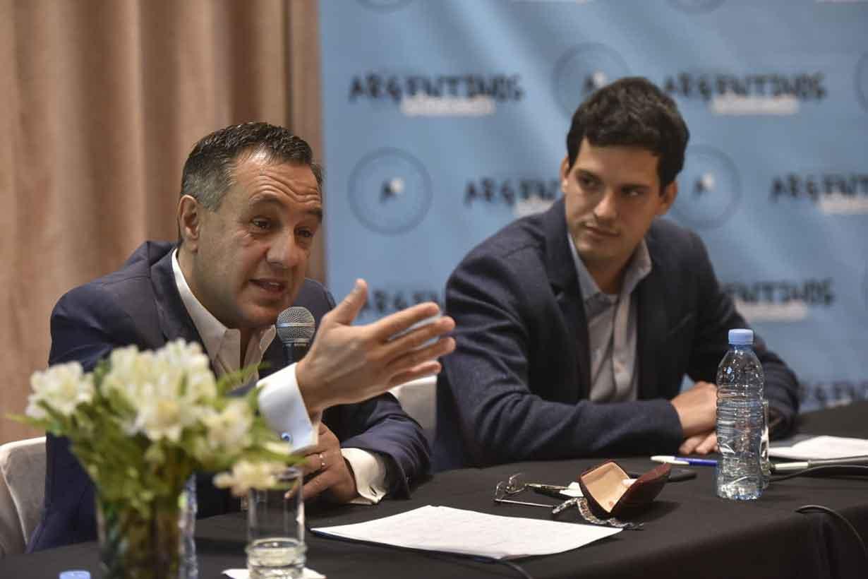 El ministro Finocchiaro e Ibarzábal, de la ONG