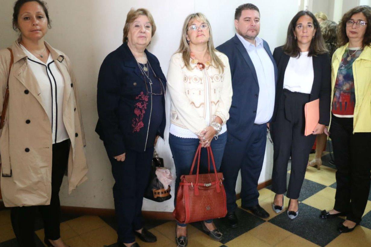 Marta Landó y vocales del CGE, en sede judicial.