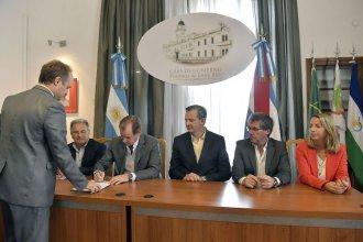 Hospital Bicentenario: firmaron contrato por 214 millones y hay fecha de reinicio de obra