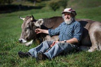 Problemas para quienes viven en un mundo que no es el nuestro: Las cuitas de Armin Capaul, un granjero suizo