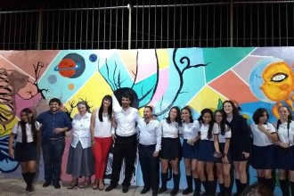 """5 días de debate sobre """"la verdad"""" y un mural con energía solar: Original cierre del año escolar"""