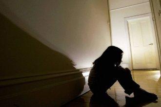 Aberrante caso en Federación: era abusada por su padrastro y su madre le pegaba cuando lo contaba