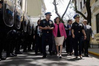 ¿Qué reglamentos de las fuerzas de seguridad derogó la ministra Bullrich?