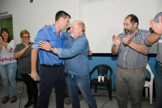 En medio de una reunión con la militancia peronista Busti confirmó su apoyo a la reelección de Cresto