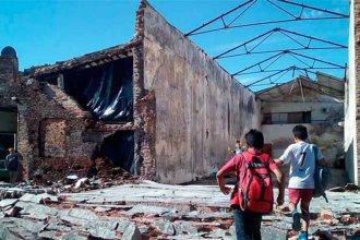 Derrumbe de paredes puso en riesgo a dos familias concordienses