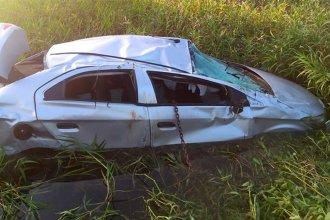 Perdió el control del auto y terminó dentro de un zanjón, a la vera de la ruta
