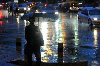 Pronostican una noche con tormentas fuertes para una zona de Entre Ríos