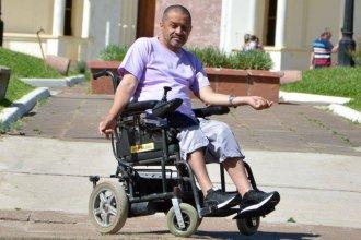 """La silla de """"Bocacha"""" necesita un cambio para seguir recorriendo el camino de la solidaridad"""