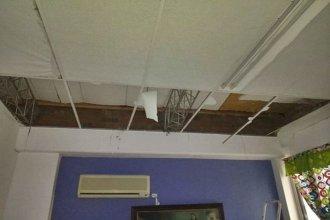 Las intensas lluvias hicieron caer parte del cielorraso de un hospital entrerriano