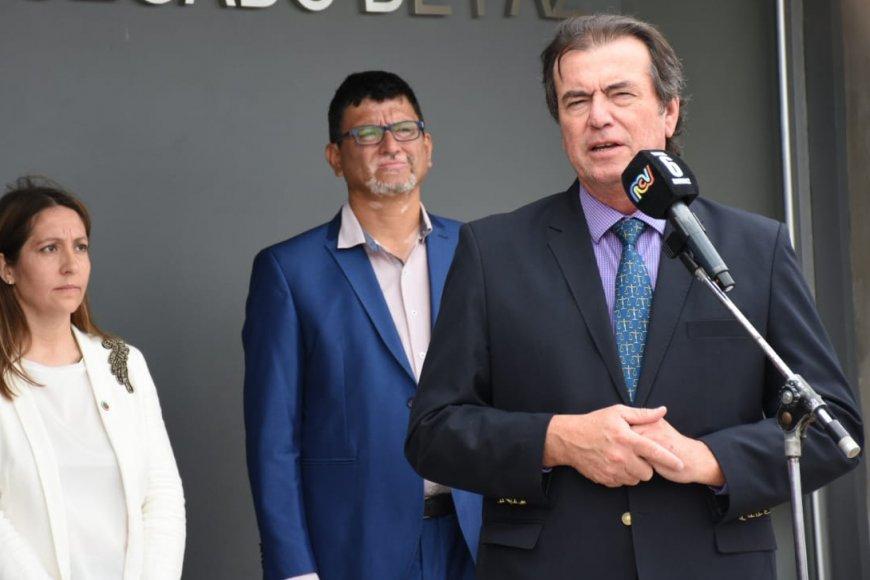 Castrillón ayer recibió a manifestantes.