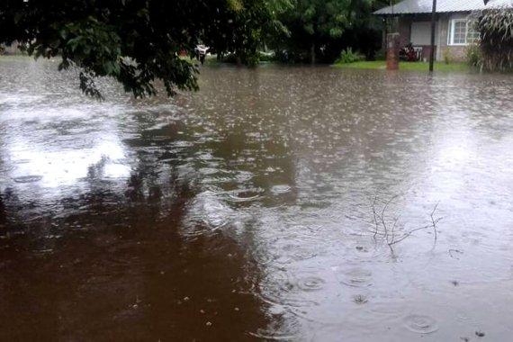 """Cuando el agua de los arroyos llega al pueblo, """"no se la puede parar con nada"""""""