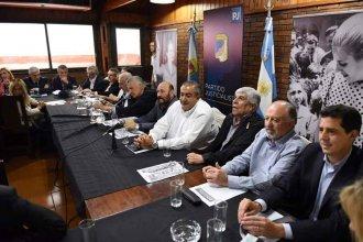 """La arenga de Urribarri desde Buenos Aires: """"Siempre hemos tenido bien claro que primero está la Patria"""""""
