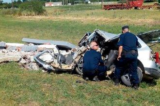 Viale: Chocó su auto contra una garita y falleció