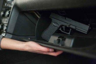 Remisero chocó y terminó preso: Le apuntó con un arma al conductor del otro auto