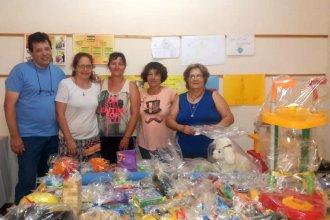 Cáritas de la Parroquia del Carmen: recibiendo juguetes y productos para Navidad