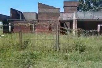 Hallaron a una mujer desfigurada en construcción abandonada: Hay un detenido