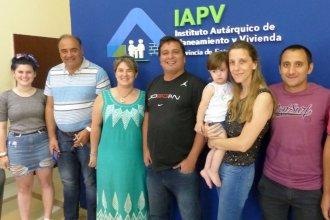 El IAPV firmó créditos individuales para familias con terreno propio